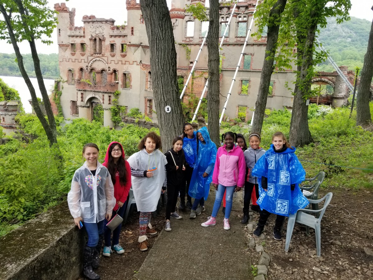 Thumbnail for Mr. Conti's Fifth Grade Class Visits Bannerman Island!