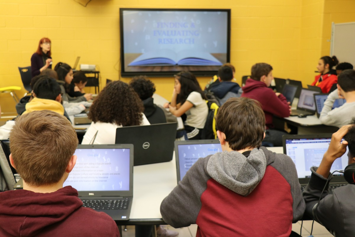 Thumbnail for Scholars in NFA Marist ECHS Program Learn From College Librarian
