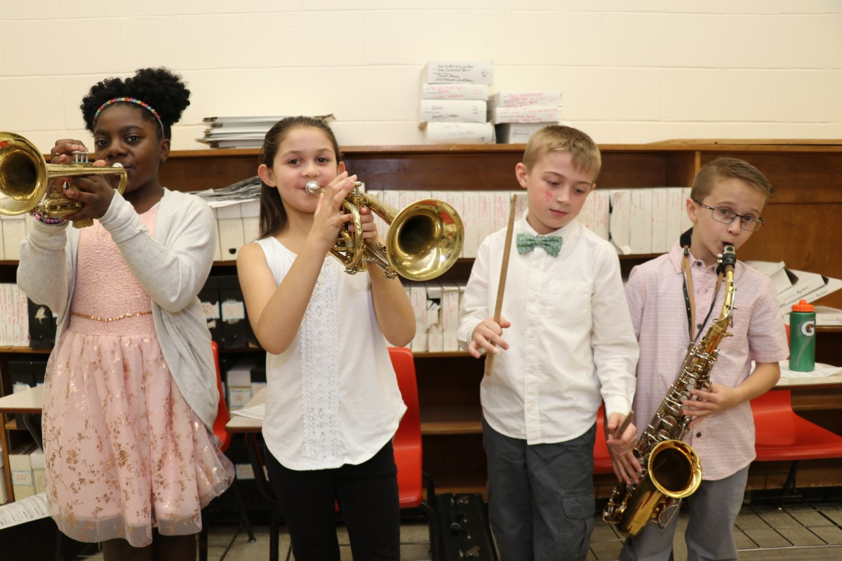 Thumbnail for Meadow Hill 3rd, 4th, and 5th Graders Perform Spring Music Concert