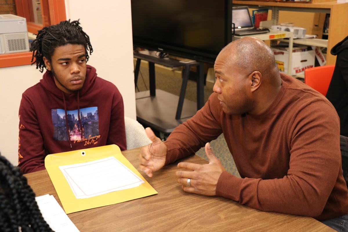Students and mentors discuss professional skills.