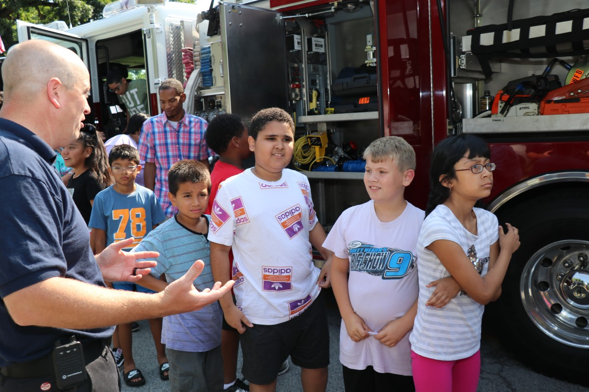 Students learn about the truck.