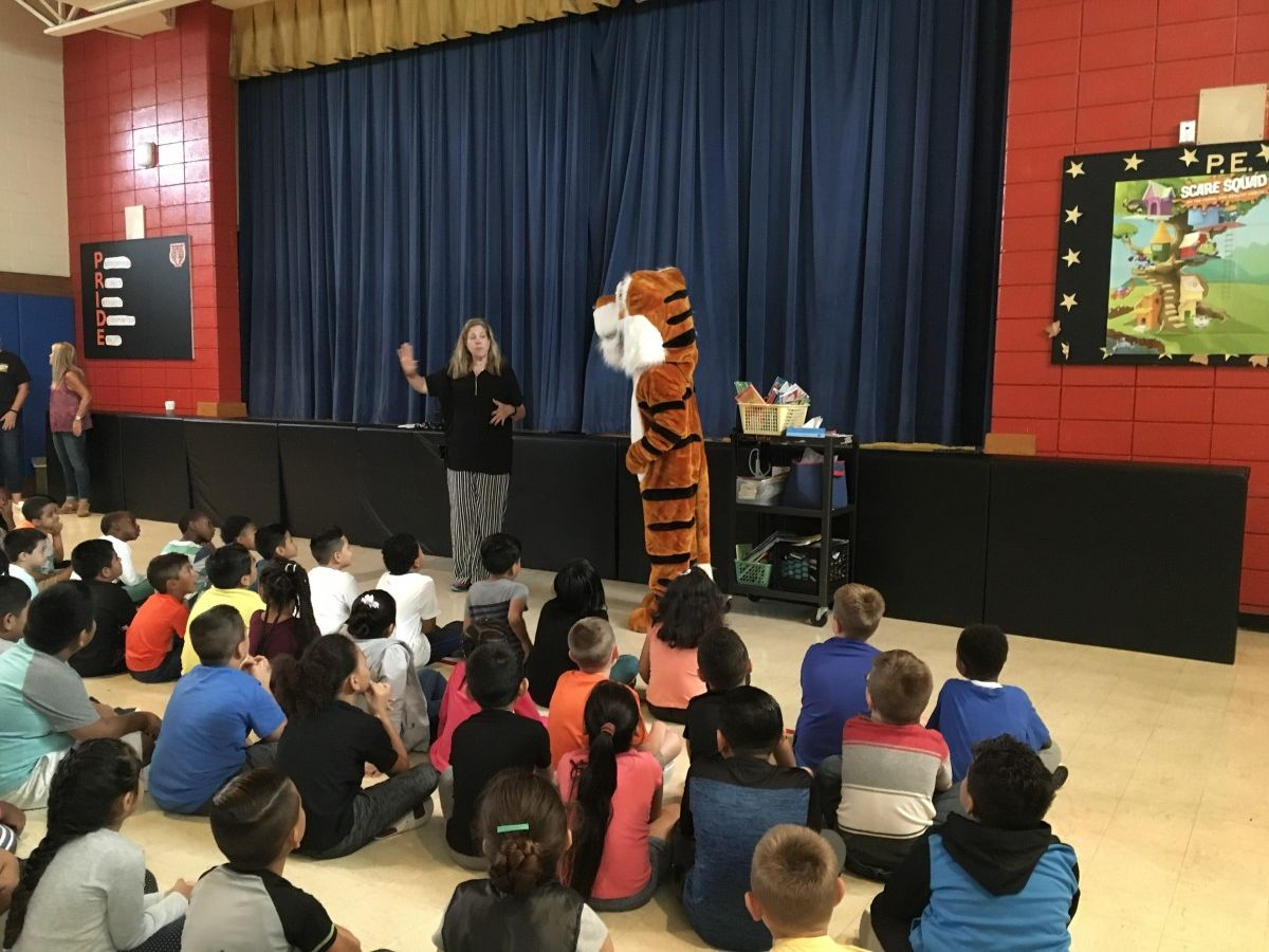 Stripes Visits Temple Hill