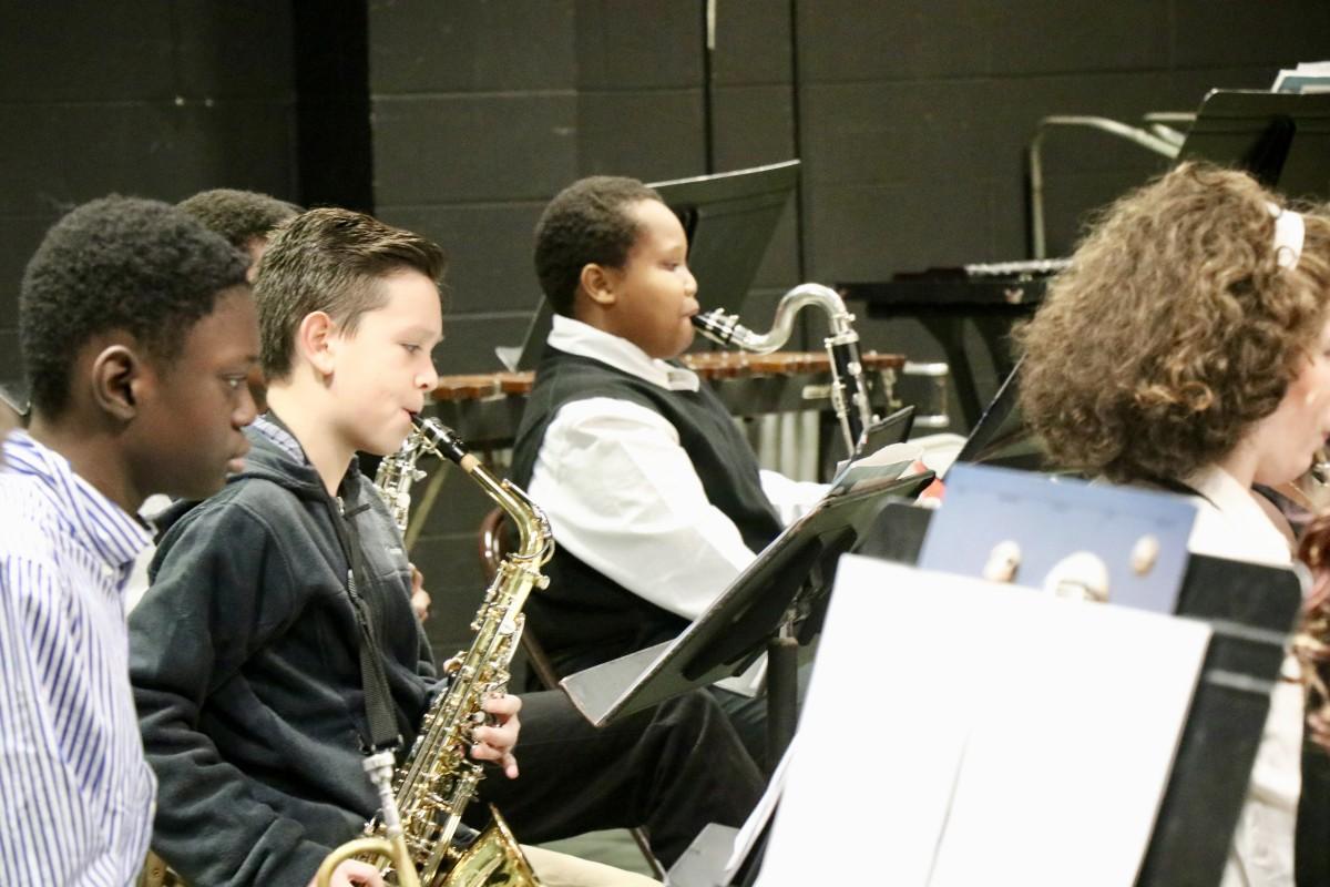 Students play saxophone