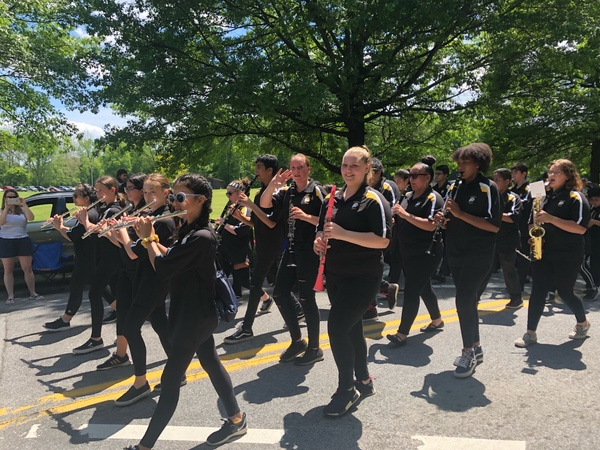 Flutes marching.