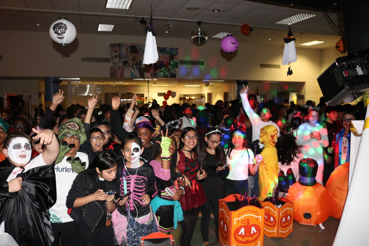 Thumbnail for Heritage Middle School Hosts Halloween Dance