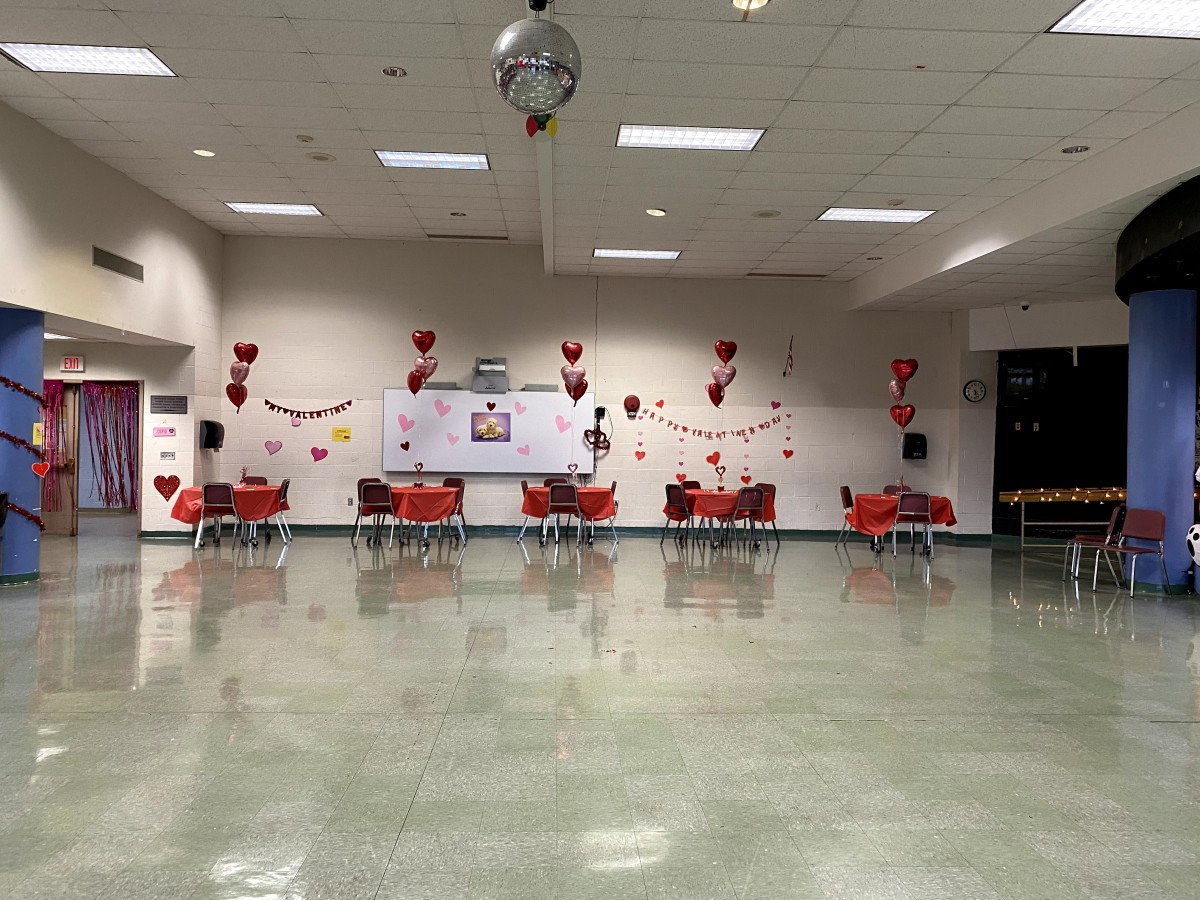 Set up of the cafeteria.