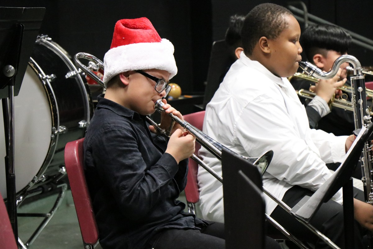 Thumbnail for Heritage Middle School Hosts Winter Concert