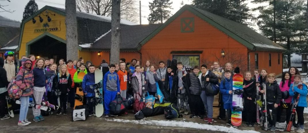Thumbnail for South and Heritage Middle School Scholars Enjoy Ski Club Trip