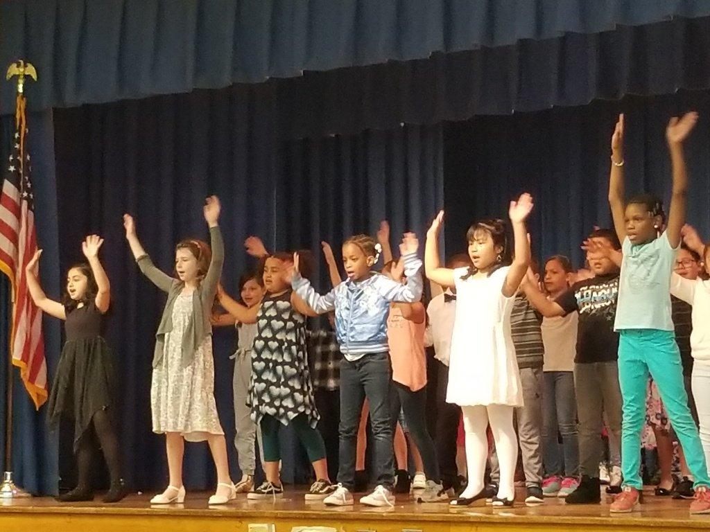 Children Singing 2
