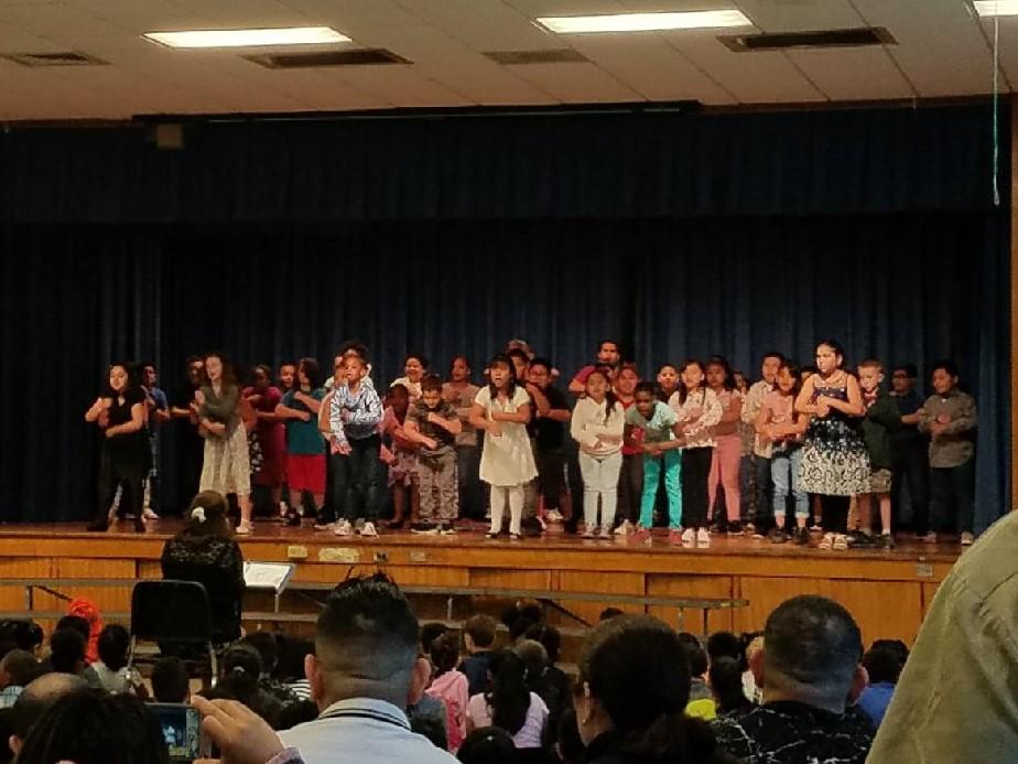 Children Singing 3