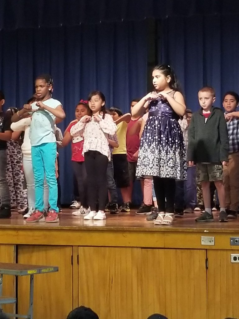 Children Singing 4