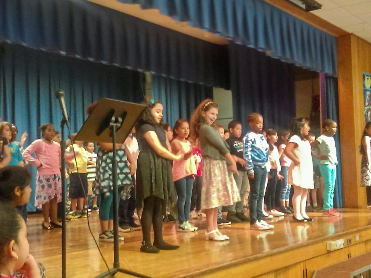 Children Singing 5