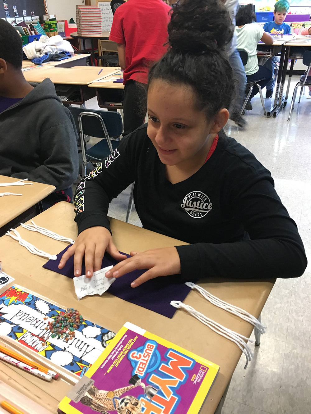 THA 4th Graders work on wampum belts 1